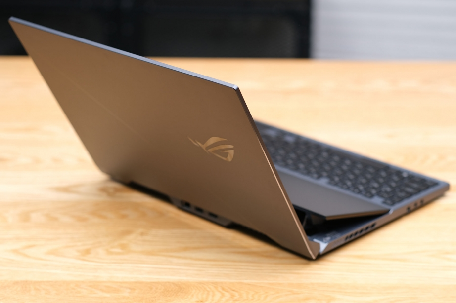 asus-rog-zephyrus-duo-15-preview-pic12.jpg
