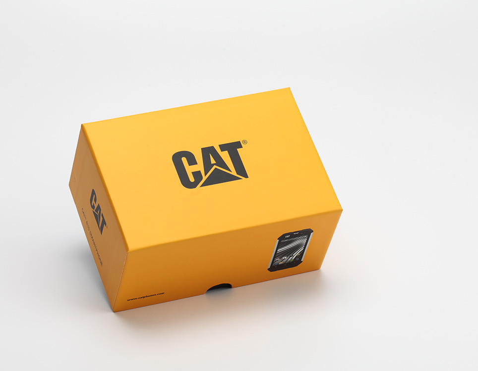 cat-b15-unboxing-pic1.jpg
