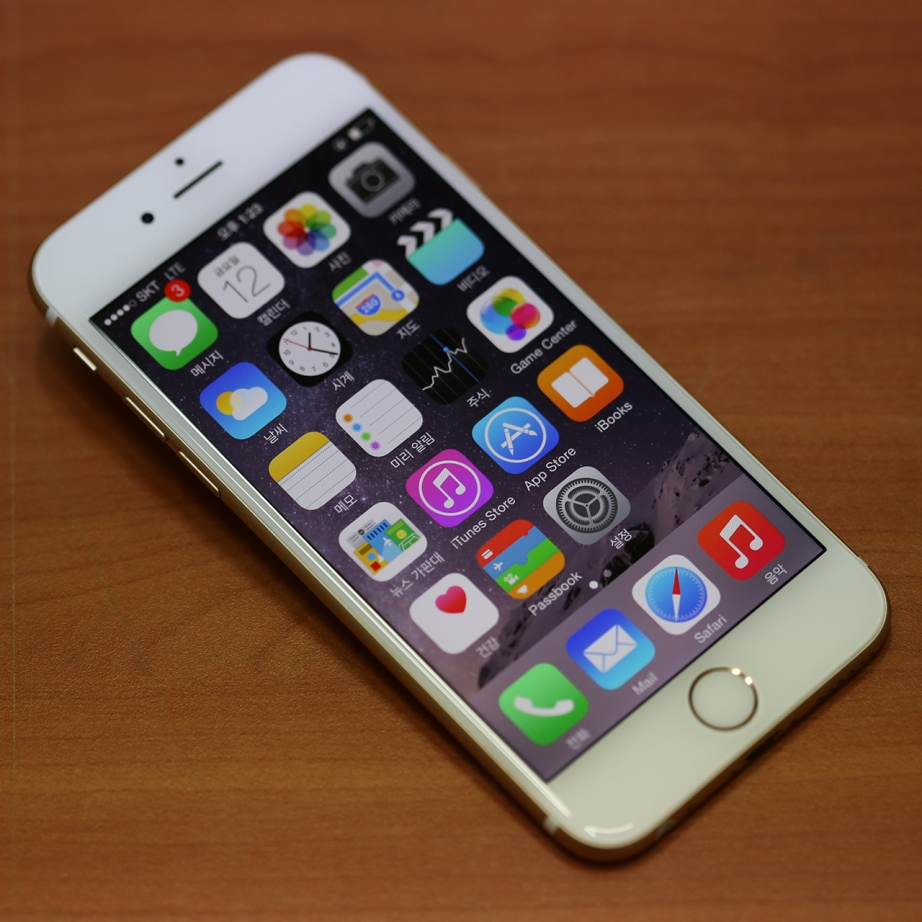 apple-iphone-6-hands-on-pic4.jpg