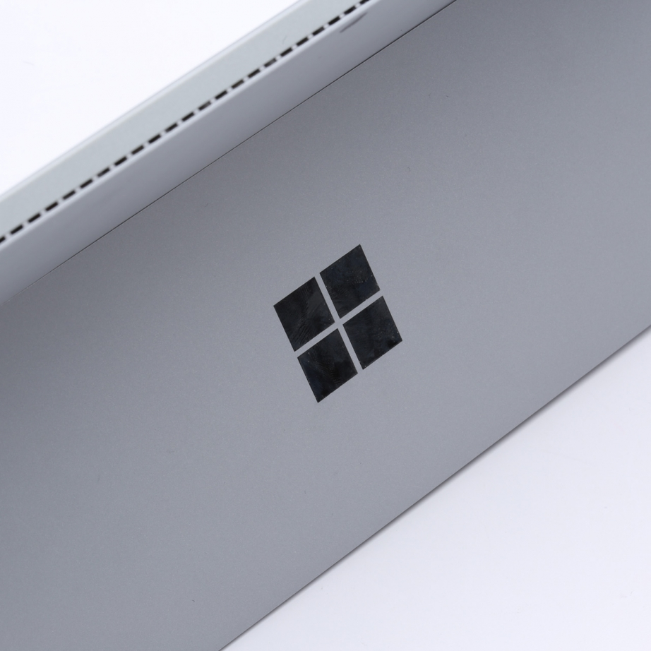 microsoft-surface-pro-4-unboxing-pic5.jpg