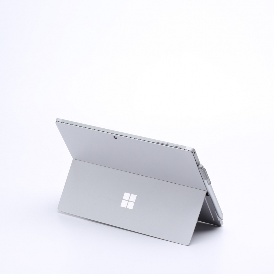 microsoft-surface-pro-4-unboxing-pic3.jpg