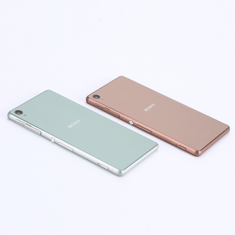 sony-xperia-z3-silver-green-hands-on-pic9.jpg