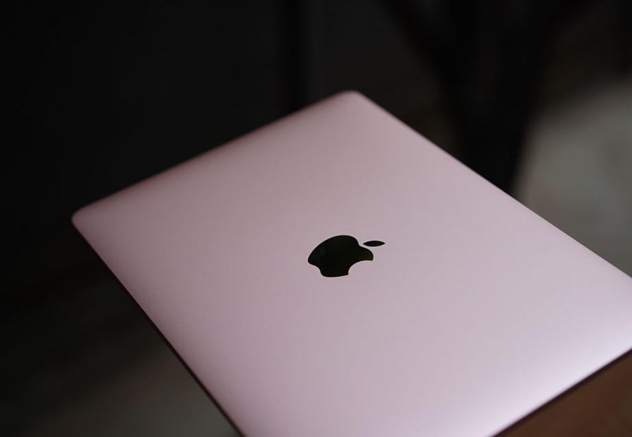 apple-macbook-2016-unboxing-pic9.jpg