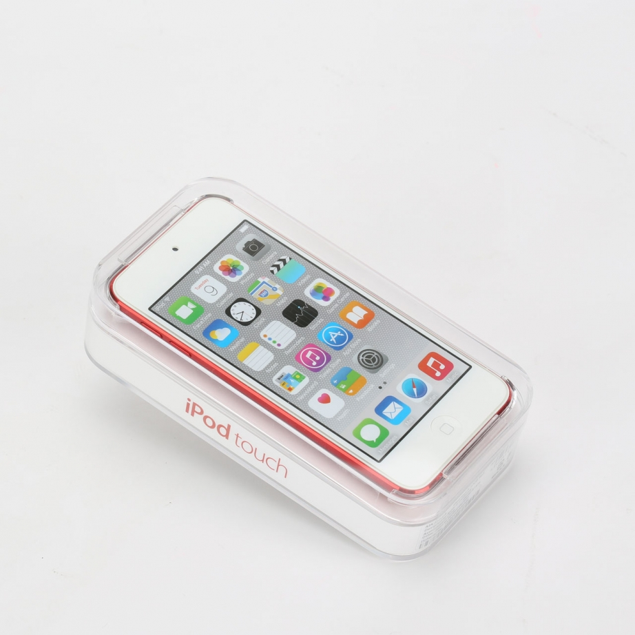 apple-ipod-touch-6th-unboxing-pic1.jpg