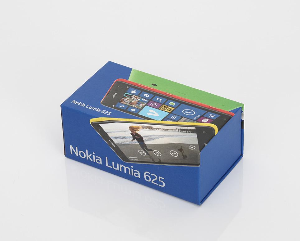 lumia-625-unboxing-pic1.jpg