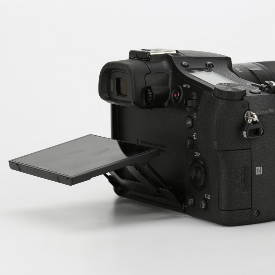 sony-rx10-2-unboxing-pic7.jpg