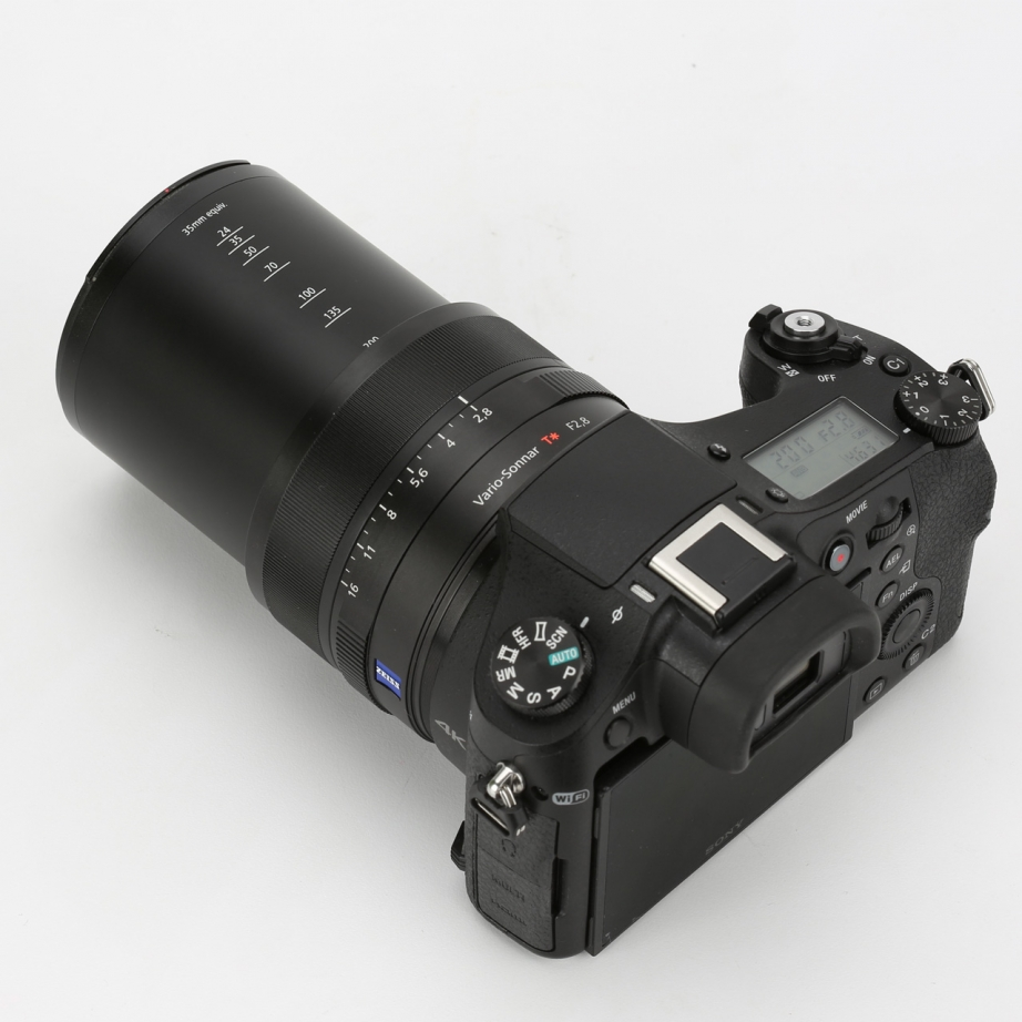sony-rx10-2-unboxing-pic3.jpg