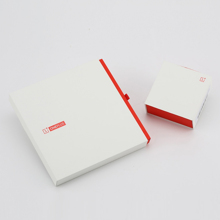 oneplus-one-unboxing-pic1.jpg