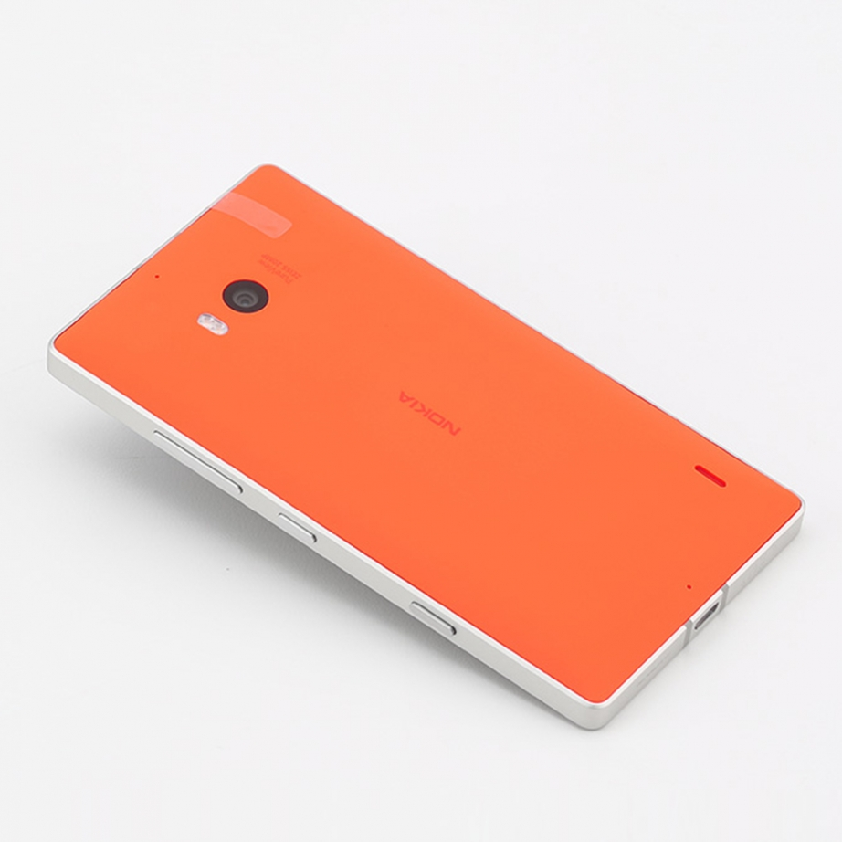 nokia-lumia-930-unboxing-pic7.jpg