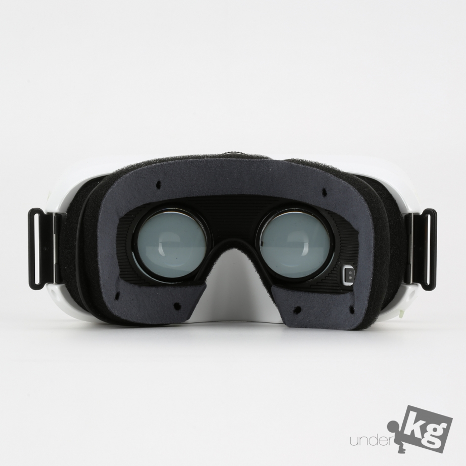 samsung-gear-vr-unboxing-pic8.jpg