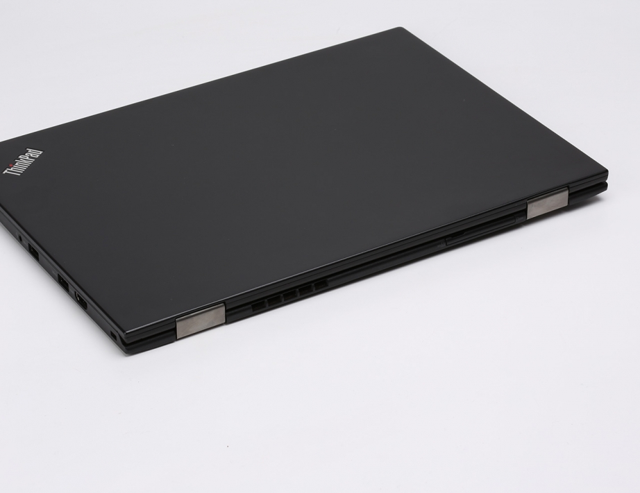lenovo-thinkpad-x1-carbon-gen4-preview-pic3.jpg
