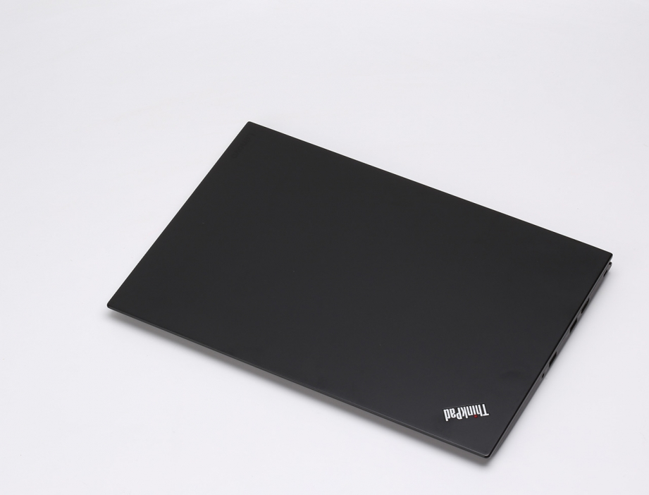 lenovo-thinkpad-x1-carbon-gen4-preview-pic1.jpg
