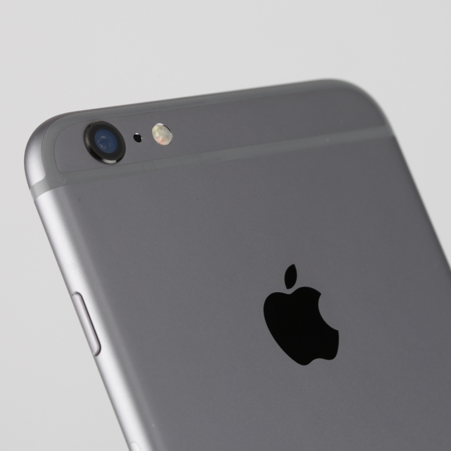 apple-iphone-6-plus-hands-on-pic10.jpg