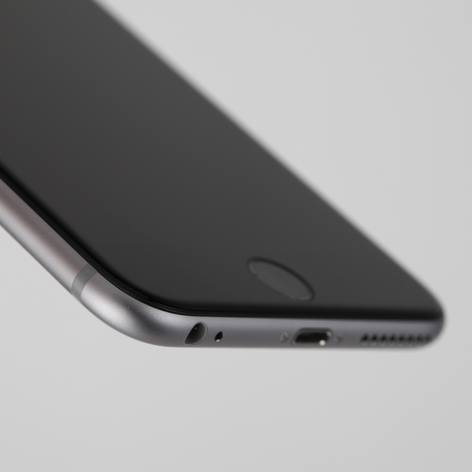 apple-iphone-6-plus-hands-on-pic8.jpg