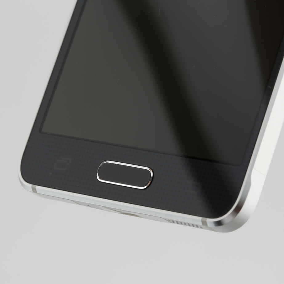 samsung-galaxy-alpha-review-pic5.jpg