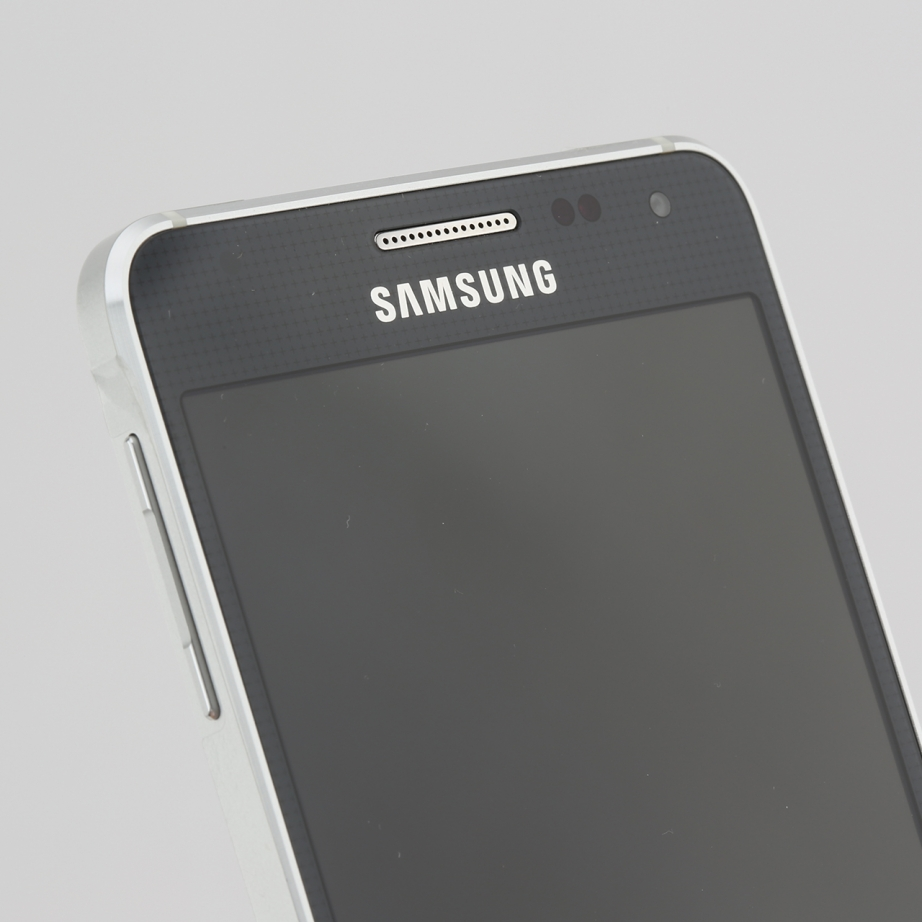 samsung-galaxy-alpha-review-pic3.jpg
