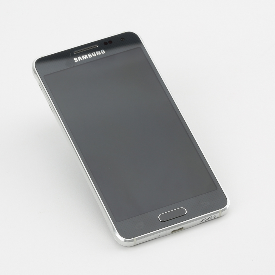 samsung-galaxy-alpha-review-pic2.jpg