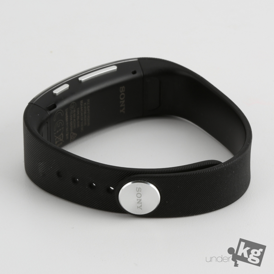 sony-smartband-talk-review-pic2.jpg