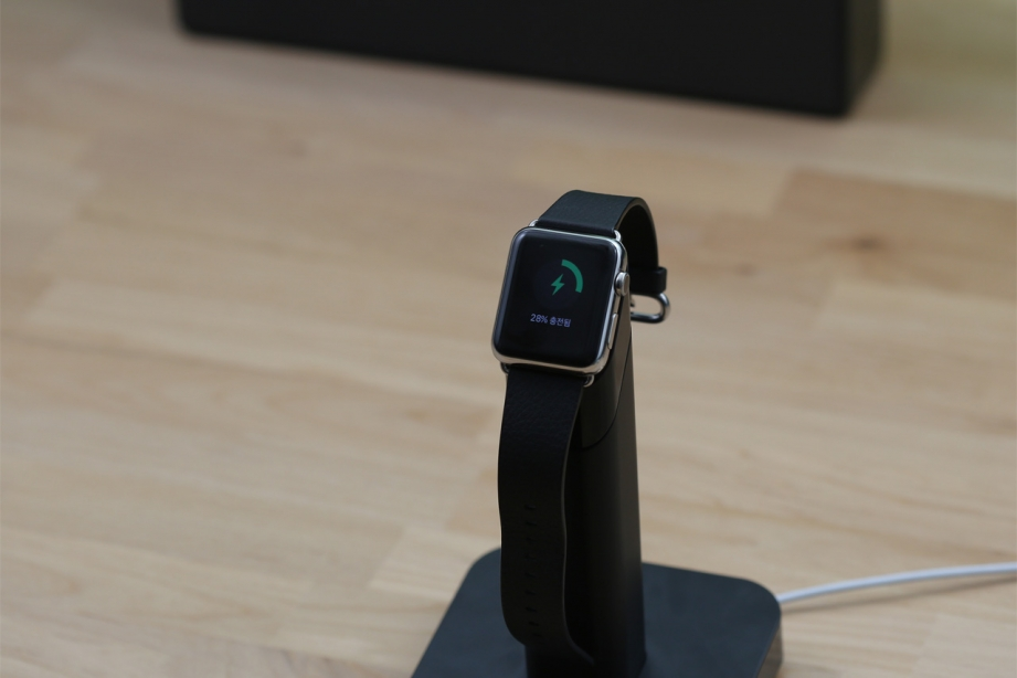 griffin-apple-watch-stand-pic9.jpg