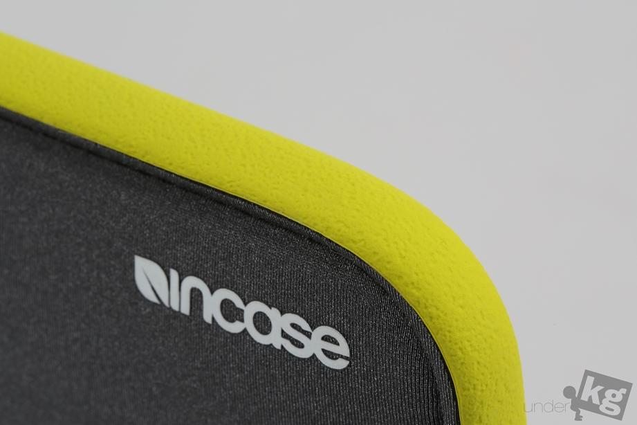 incase-icon-sleeve-pic08.jpg
