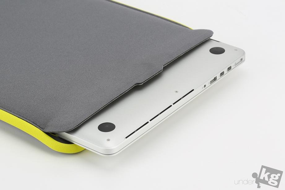 incase-icon-sleeve-pic11.jpg