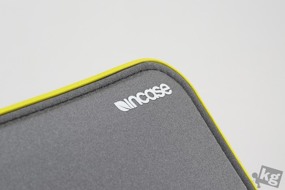 incase-icon-sleeve-pic07.jpg