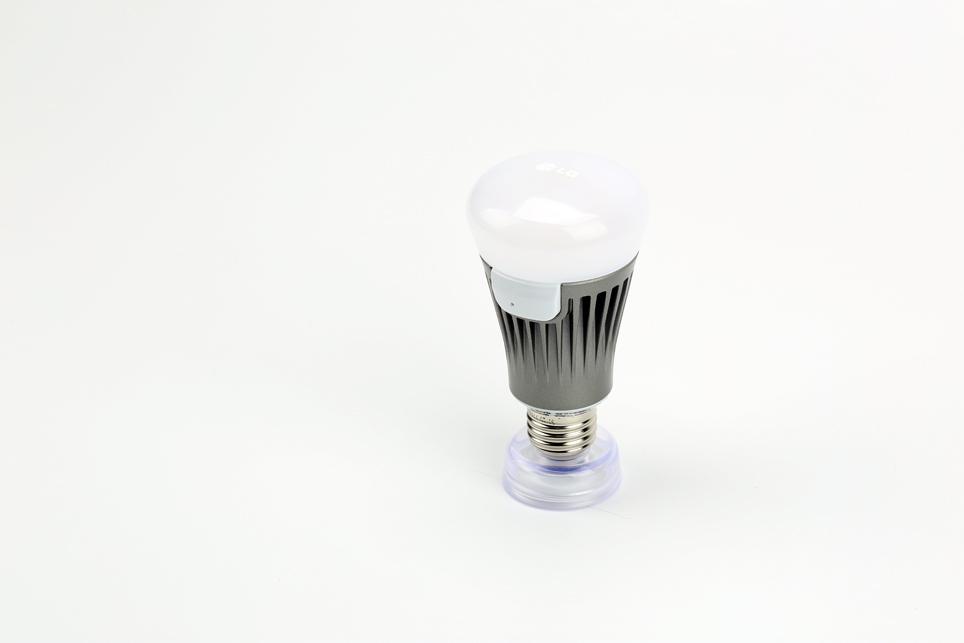 lg_smart lamp_02.jpg