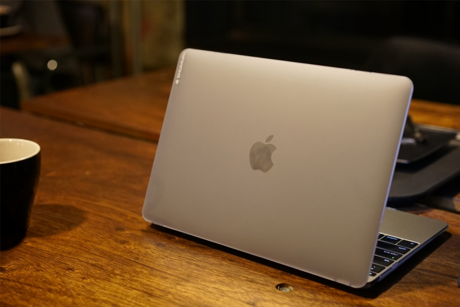 shumuri-slim-shell-macbook-case-preview-pic10.jpg
