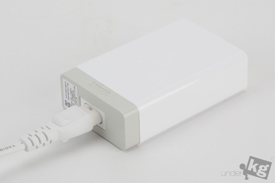 anker-desktop-charging-combo-pic15.jpg