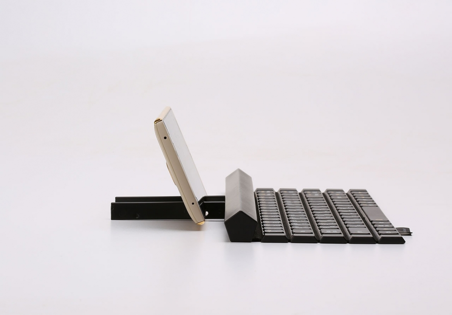lg-rolly-keyboard-2-preview-pic10.jpg