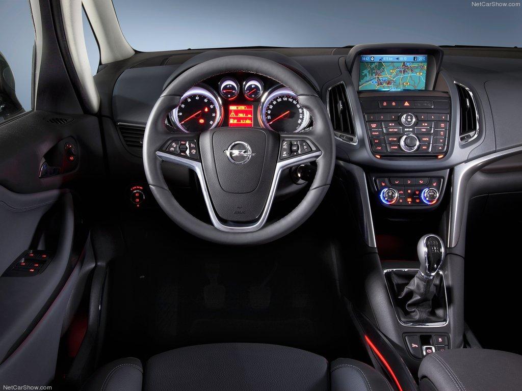 Opel-Zafira_Tourer_2012_1024x768_wallpaper_2f[1].jpg