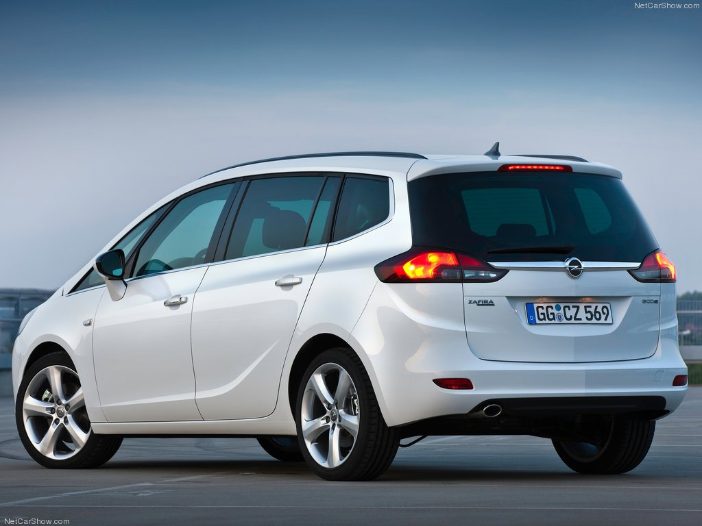 Opel-Zafira_Tourer_2012_1024x768_wallpaper_1a[1].jpg