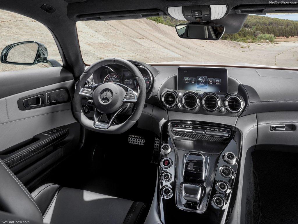 Mercedes-Benz-AMG_GT_2016_1024x768_wallpaper_45[1].jpg