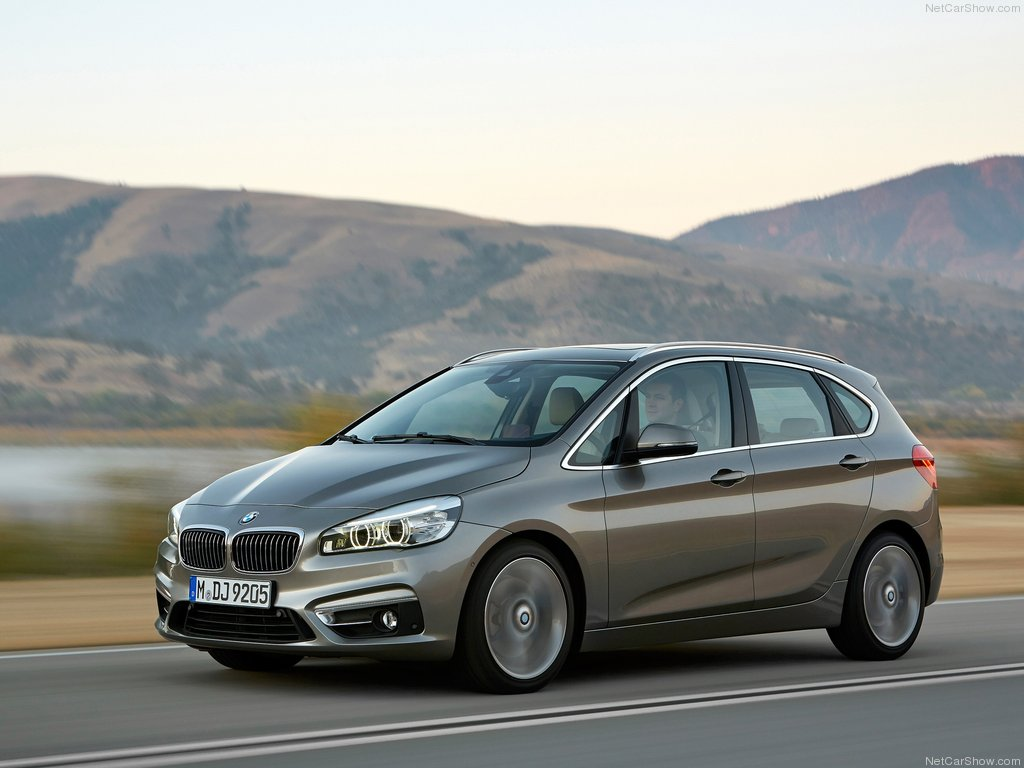 BMW-2-Series_Active_Tourer_2015_1024x768_wallpaper_05[1].jpg