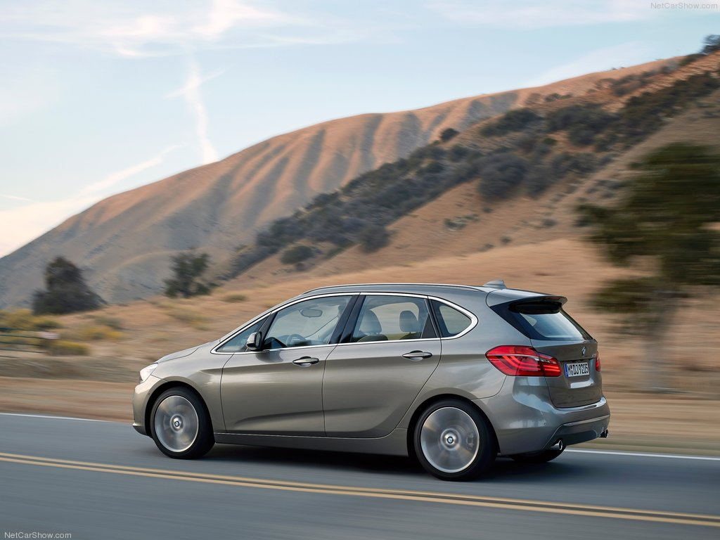 BMW-2-Series_Active_Tourer_2015_1024x768_wallpaper_14[1].jpg