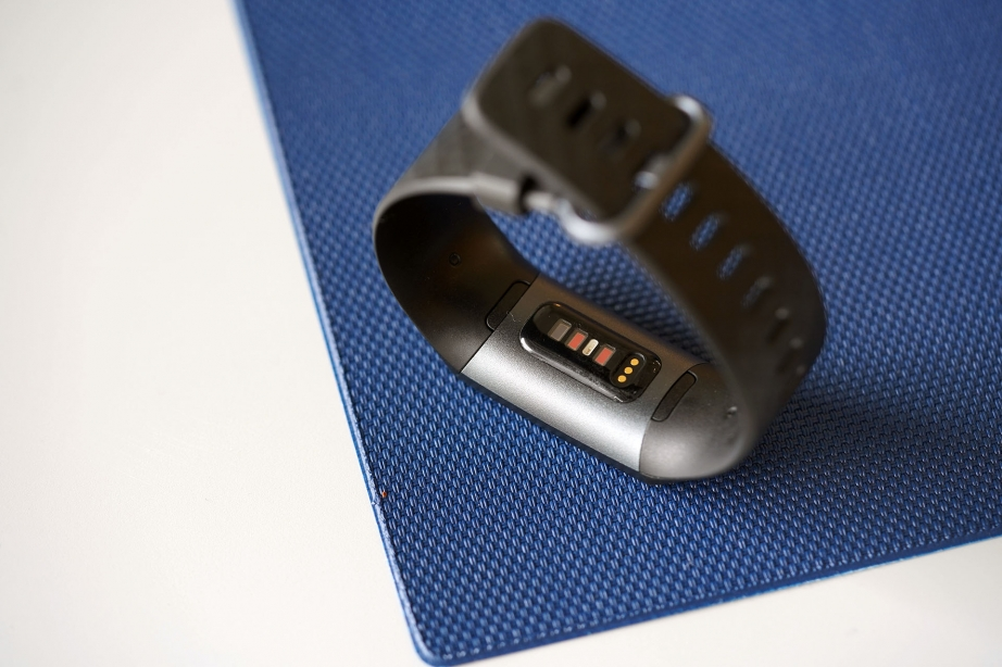 fitbit-charge-3-unboxing-pic8.jpg