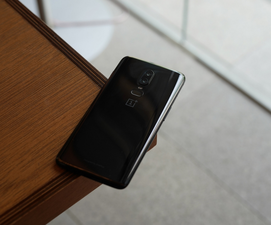 oneplus-6-unboxing-pic3.jpg