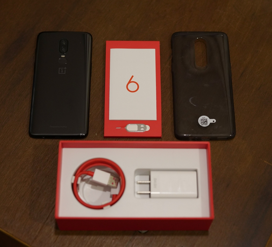 oneplus-6-unboxing-pic2.jpg