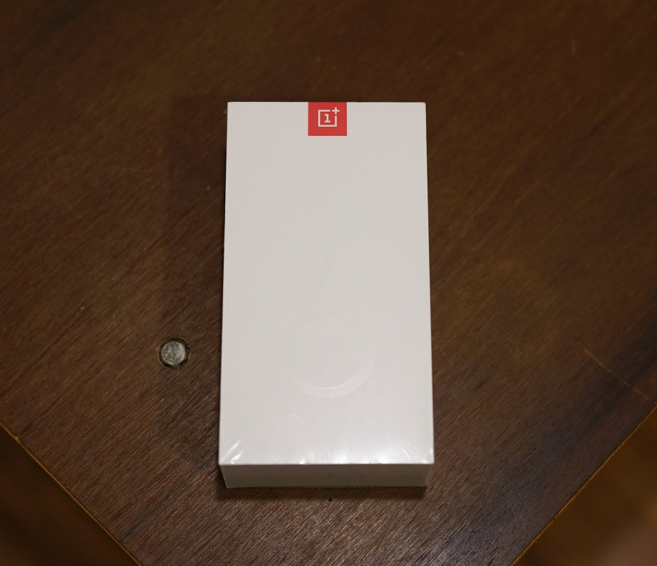 oneplus-6-unboxing-pic1.jpg