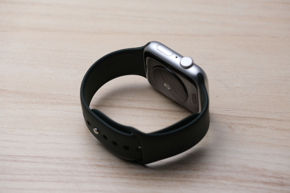 apple-watch-se-unboxing-pic6.jpg