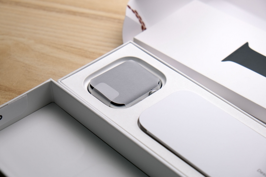 apple-watch-se-unboxing-pic11.jpg