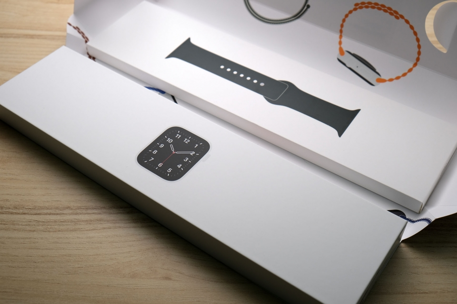 apple-watch-se-unboxing-pic13.jpg