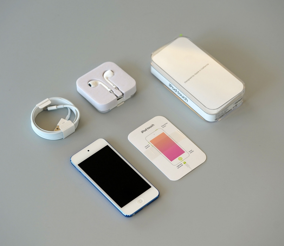 apple-ipod-touch-gen7-unboxing-pic3.jpg