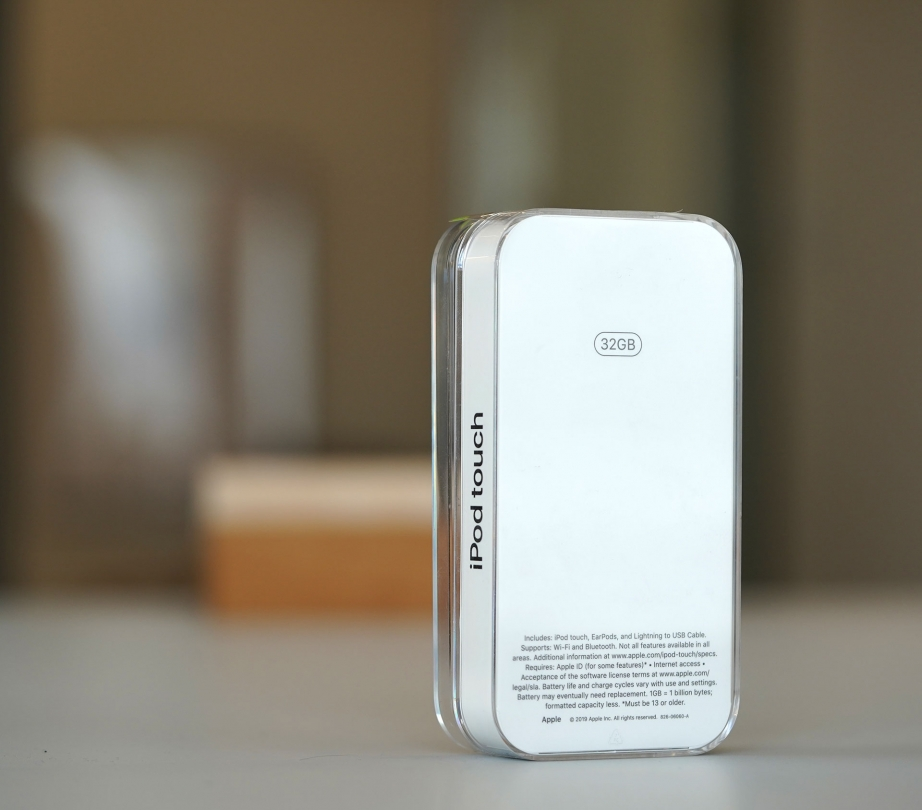apple-ipod-touch-gen7-unboxing-pic2.jpg