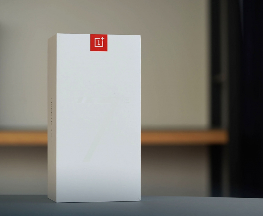 oneplus-7-pro-unboxing-pic1.jpg