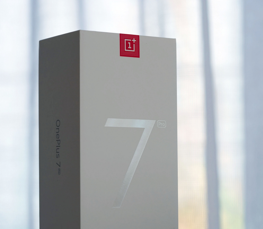 oneplus-7-pro-unboxing-pic3.jpg