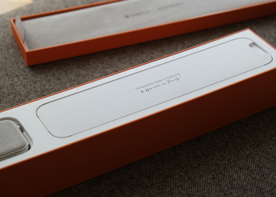apple-watch-series-4-hermes-unboxing-pic5.jpg