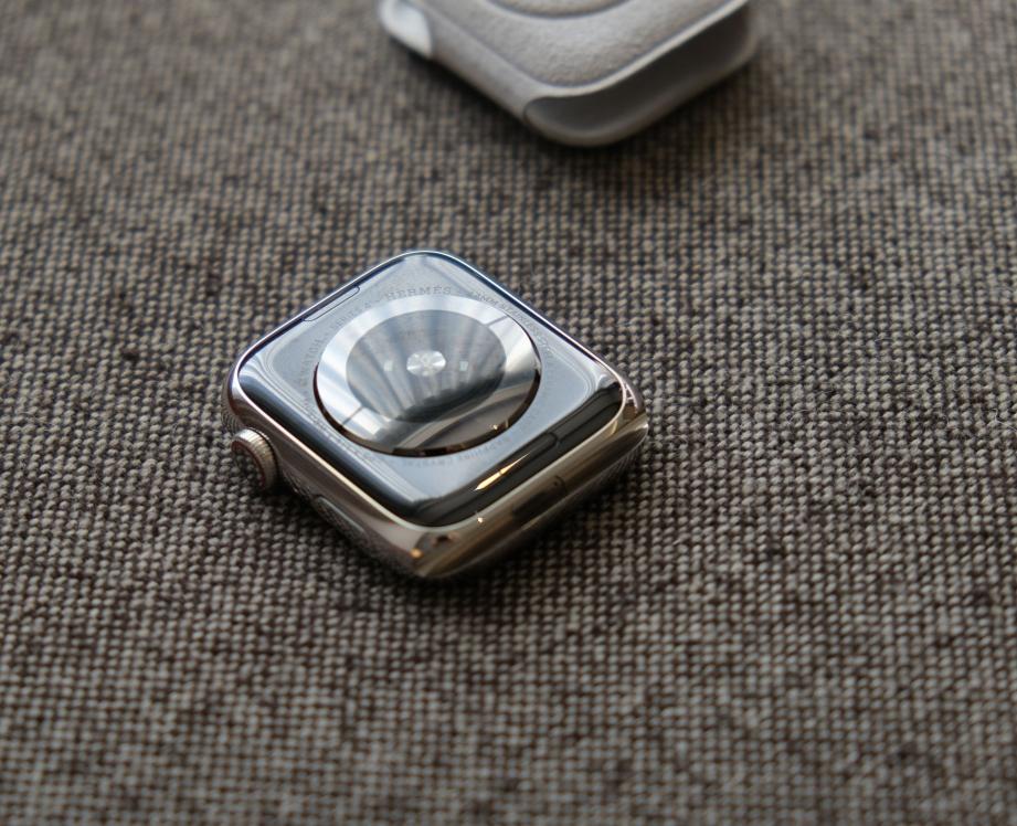 apple-watch-series-4-hermes-unboxing-pic7.jpg