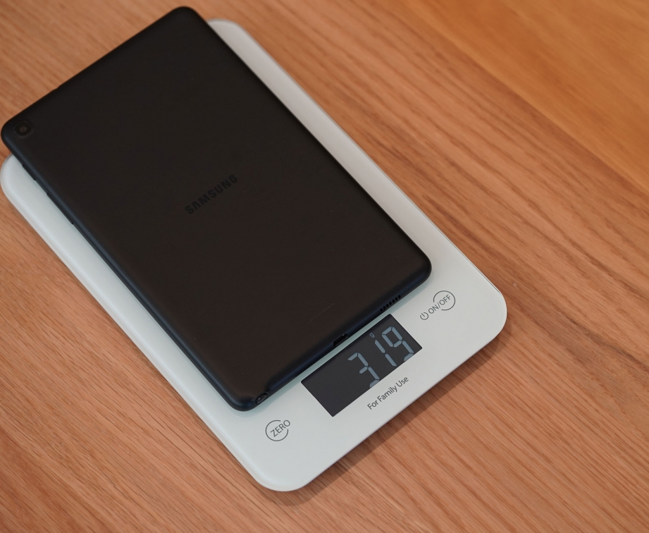 amsung-galaxy-taba-with-spen-80-unboxing-pic8.jpg