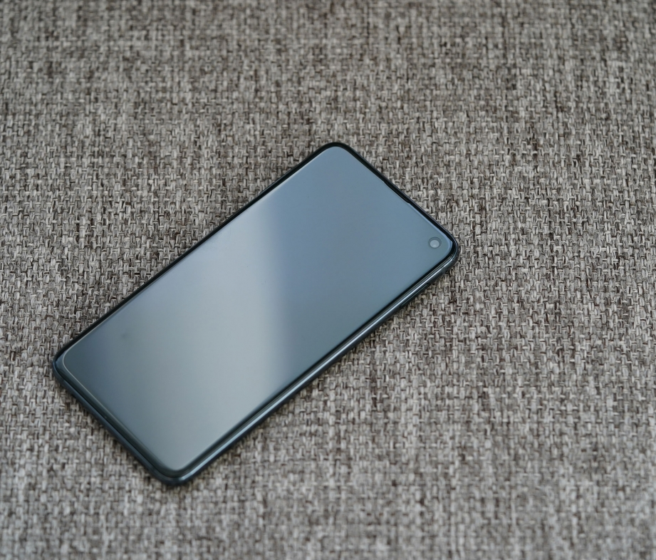 samsung-galaxy-s10e-unboxing-pic7.jpg